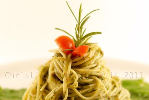 Spaghetti con cime di rapa e salsiccia