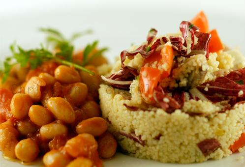Fagioli all'uccelletto con cuscus vegetariano
