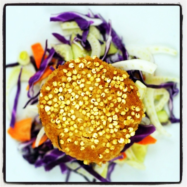 Hamburger di soia vegan .... #hamburger #vegan # #chefsofinstagram #chef  #cooking #cheflife  #culinary  #foodshare #food #foodstagram #foodie #veganfoodshare
