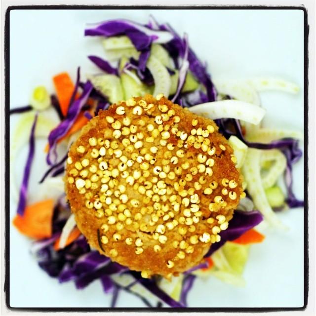 Hamburger di soia vegan .... #hamburger #vegan # #chefsofinstagram #chef  #cooking #cheflife  #culinary  #foodshare #food #foodstagram #foodie #veganfoodshare