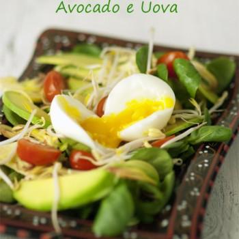 Insalata di carciofi, uova e avocado